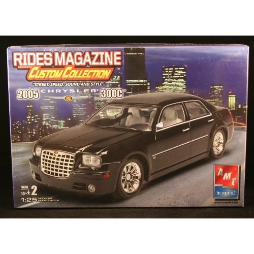 2005 CHRYSLER 300C 1:25 Scale Rides Magazine Custom Collection AMT / ERTL Skill Level