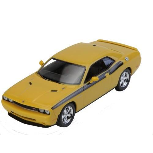 AMT 2010 Dodge R/T Classic Detonator 1/25 Scale Assembled Model Car Yellow