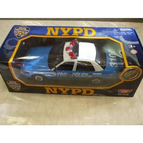 NYPD New York Police Department 1/18 – 2001 Crown Victoria Interceptor Die Cast Car