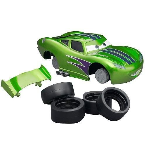 Disney Pixar Cars 2 Hot Rod Lightning McQueen RIDEMAKERZ Starter Kit