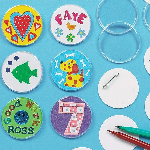 Baker Ross Design Your Own Badge Pack of 10 for Kids to Decorate and Party Bag Fillers