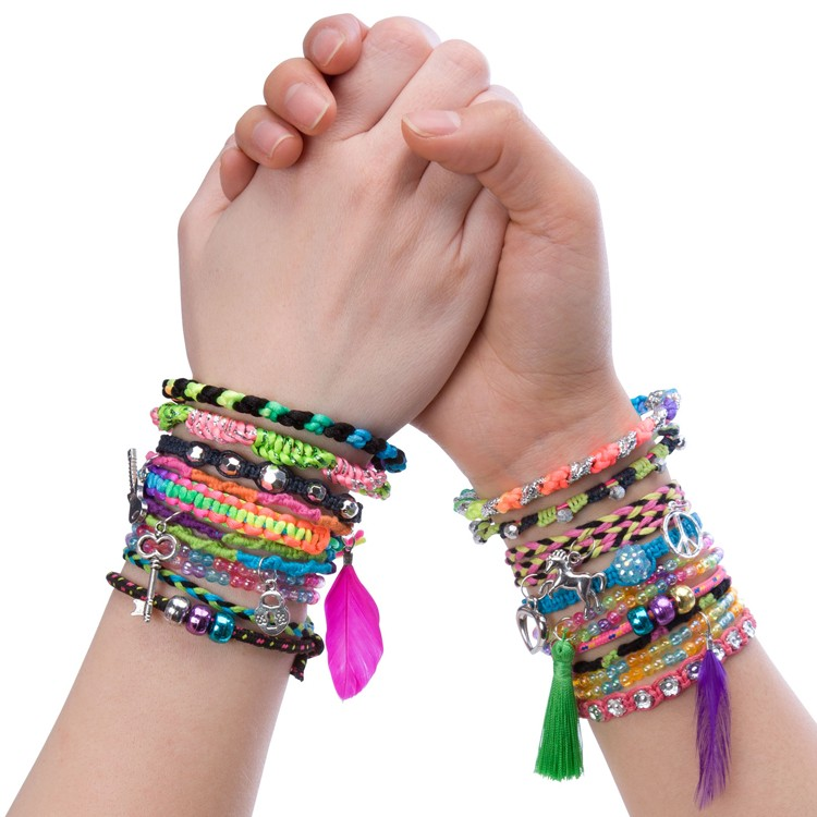 Forever Bracelets Girls Deluxe Bracelet Craft Kit - Educational ...
