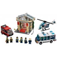 Lego City Museum Breakin Police Unit W Six Minifigures