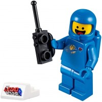 The Lego Movie 2 Minifigure Benny The Space Guy With Cool Display