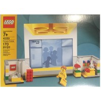 Lego Store Picture Frame Set 40359 170