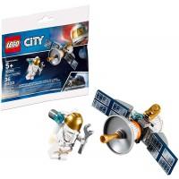 Lego Polybag Minifigure Set 30365 Astronaut With Space Satellite 36